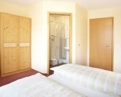 Doppelzimmer mit Bad - Gasthof zum Löwen