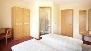 Doppel-Zimmer mit Bad - Gasthof zum Löwen