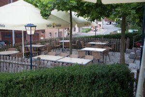 Terrasse mit Blick über Wilflingen